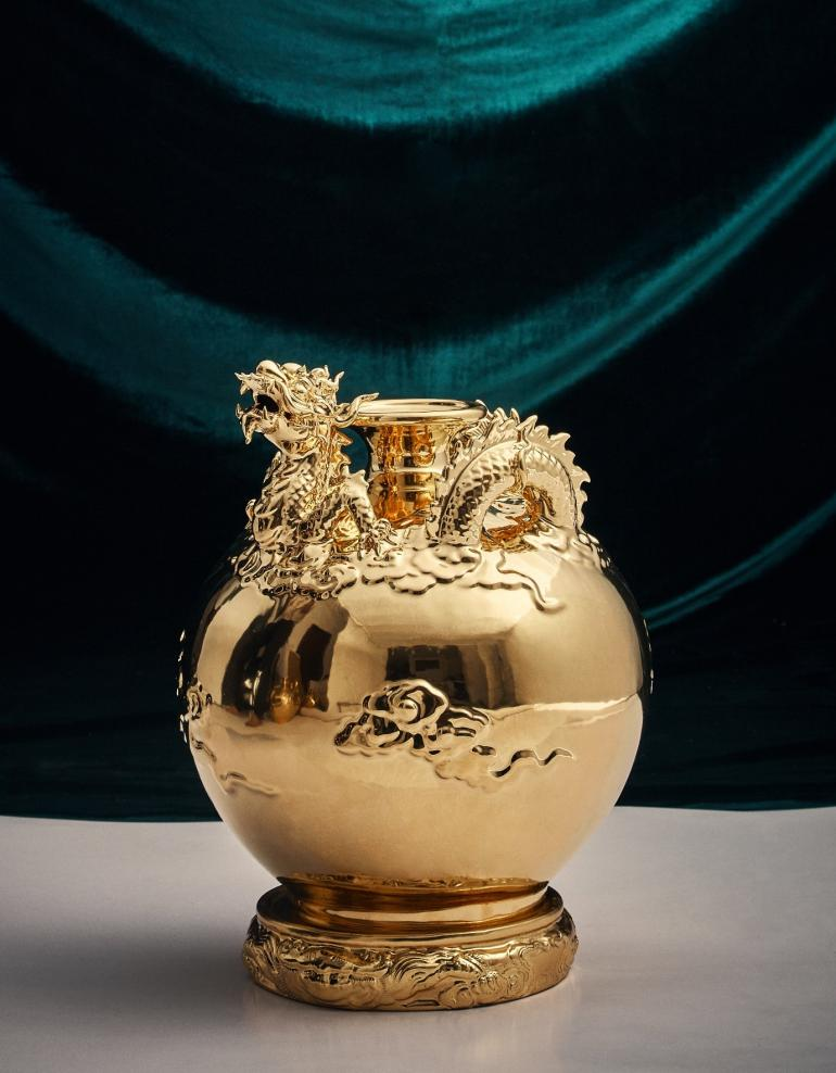 24K Gold Dragon Vase